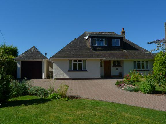 3 Bedrooms Detached Bungalow for sale in Wootton Courtenay