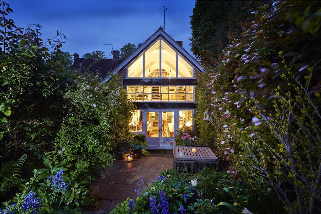 3 Bedrooms Semi Detached House for sale in New Street, Deddington, Banbury, Oxfordshire, OX15