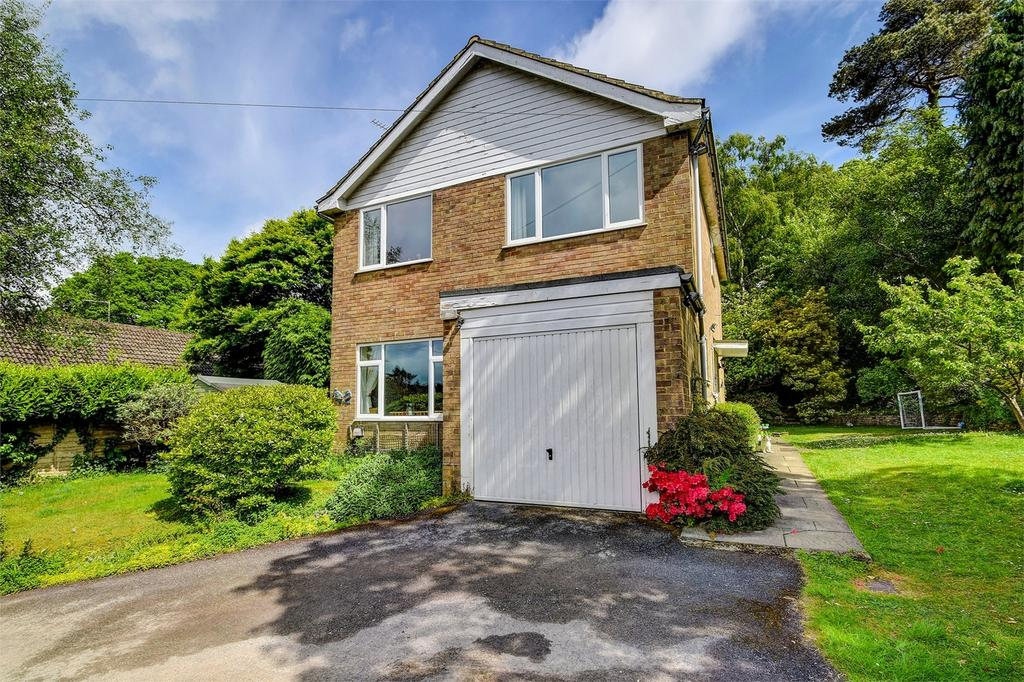 4 Bedrooms Detached House for sale in Hill Road, GRAYSHOTT, Hampshire