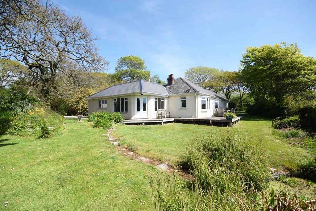 4 Bedrooms Detached House for sale in Gweek, Helford River, Nr. Helston, South Cornwall, TR12
