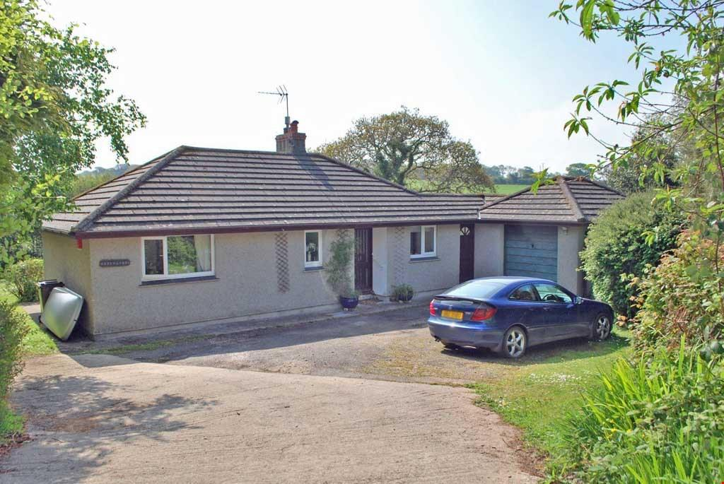 2 Bedrooms Detached Bungalow for sale in Maenporth, Nr. Falmouth, Cornwall, TR11