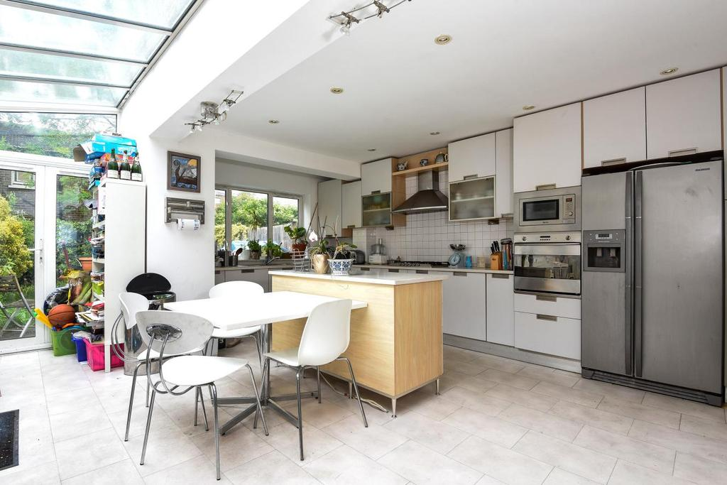 4 Bedrooms Terraced House for sale in Prospero Road, Whitehall Park, N19