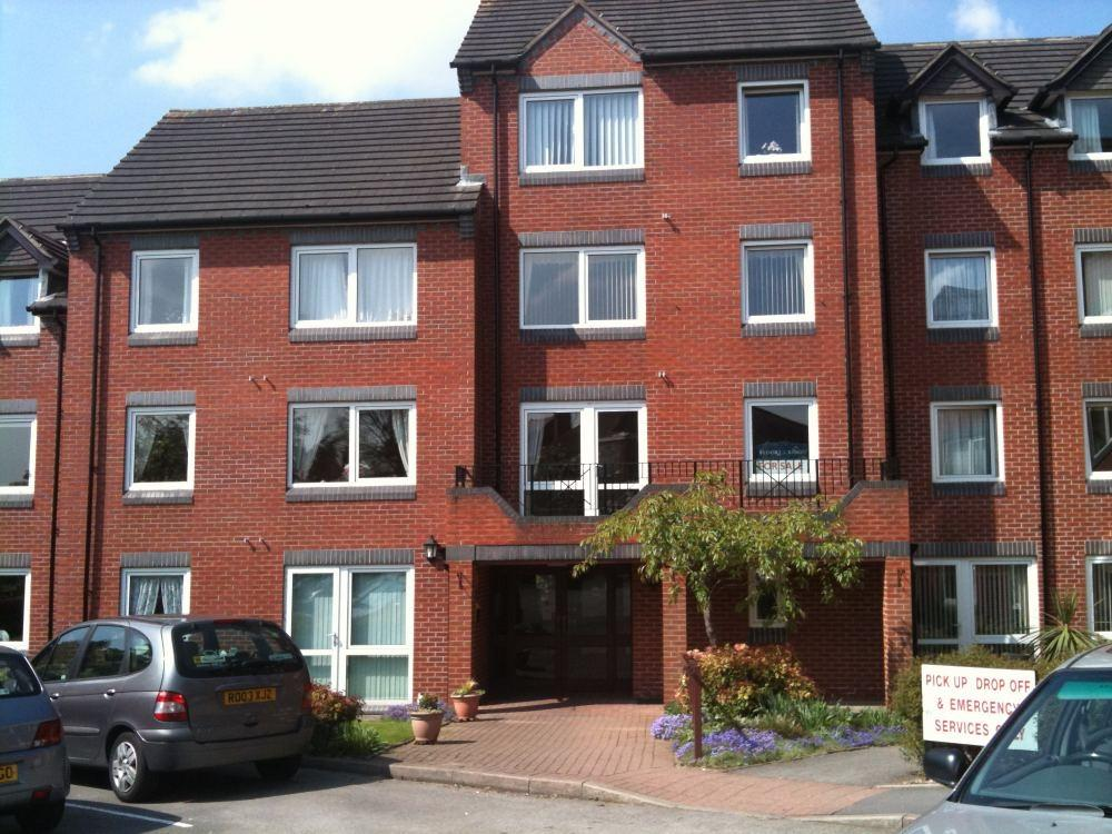 1 Bedroom Retirement Property for sale in Blackberry Lane, HALESOWEN, West Midlands