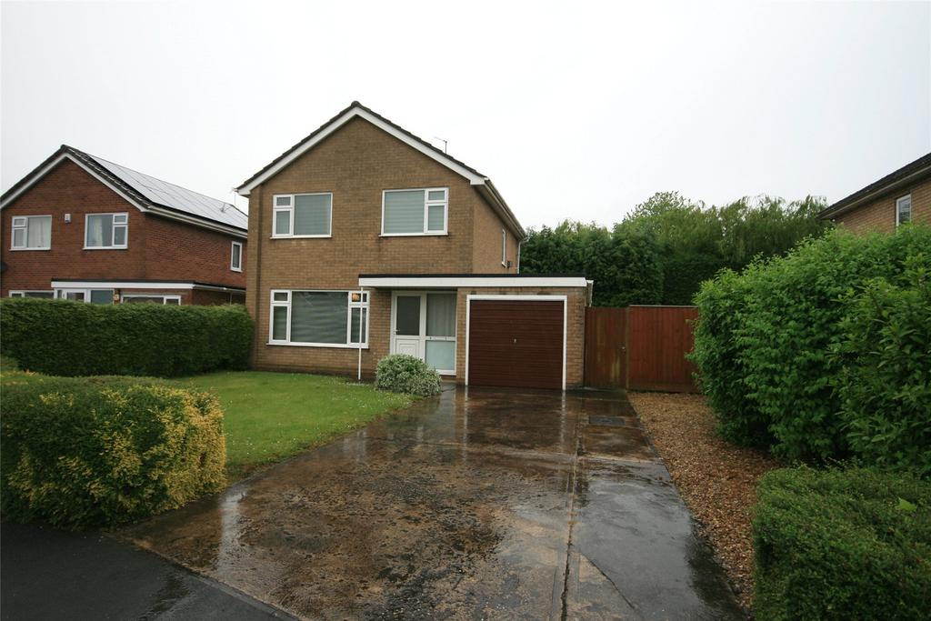 3 Bedrooms Detached House for sale in Sentance Crescent, Kirton, PE20