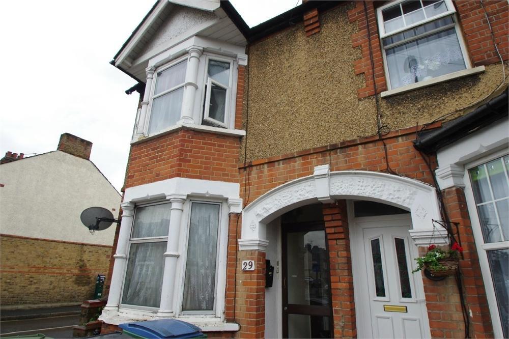 1 Bedroom Flat for sale in Queens Avenue, Watford, Hertfordshire