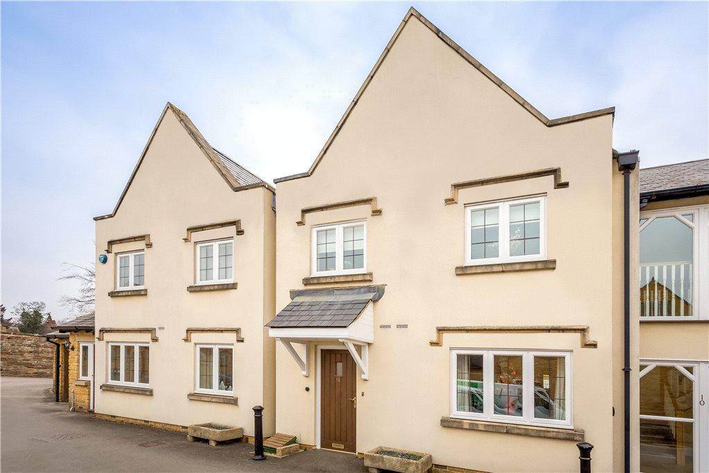 2 Bedrooms Flat for sale in Russell Square, Broadway, Worcestershire, WR12