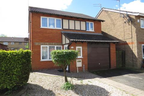 3 bedroom detached house for sale - Bollinger Close, Duston, NN5