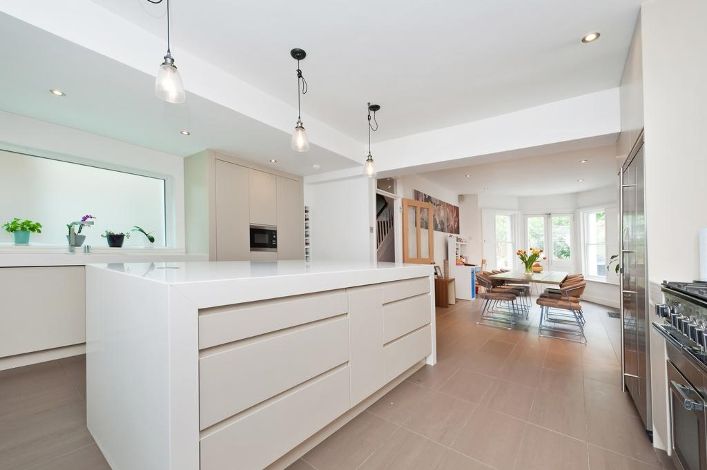 5 Bedrooms Semi Detached House for sale in Devonshire Road, Forest Hill, SE23