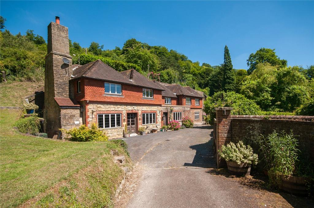4 Bedrooms Detached House for sale in 14/16 Underhill Park Road, Reigate, Surrey, RH2