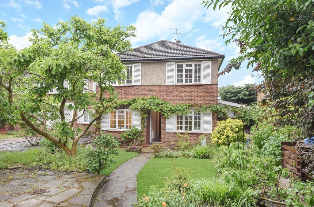 2 Bedrooms Flat for sale in Sheen Gate Gardens, East Sheen
