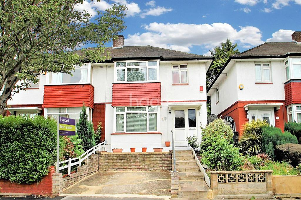 3 Bedrooms Semi Detached House for sale in Wanstead Park Road, Ilford, Essex
