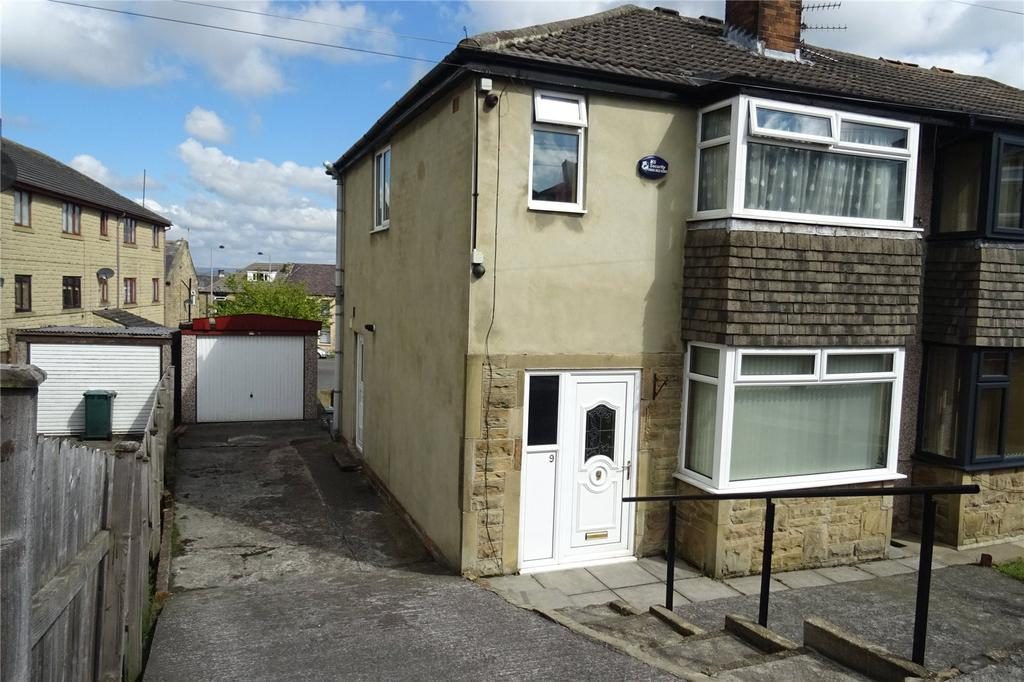 3 Bedrooms Semi Detached House for sale in Flockton Grove, Bradford, West Yorkshire, BD4