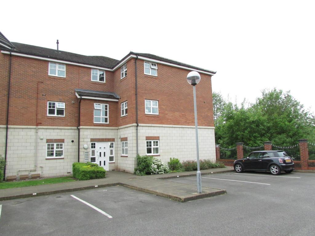 2 Bedrooms Apartment Flat for sale in Sandbach Drive, Kingsmead