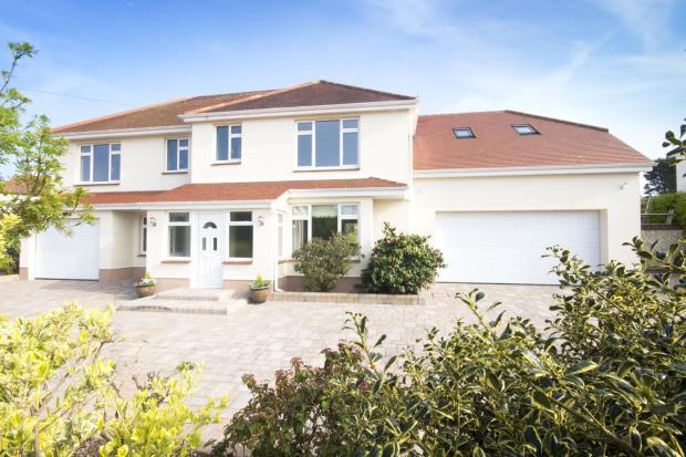 4 Bedrooms Detached House for sale in Clos De Colborne, Fort Road, Guernsey