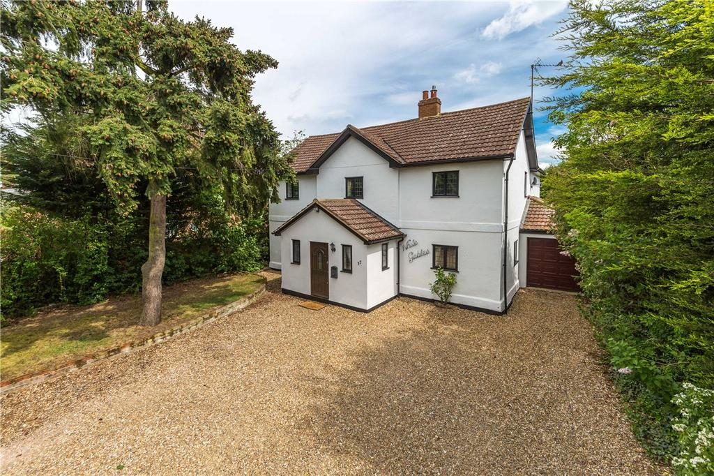5 Bedrooms Detached House for sale in London Road, Woolmer Green, Knebworth, Hertfordshire