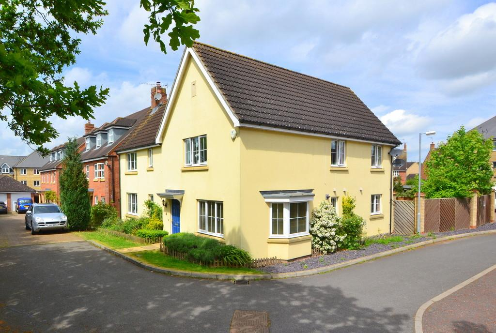 4 Bedrooms Detached House for sale in Harvest Fields, Takeley