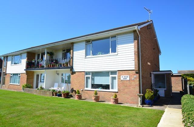 2 Bedrooms Flat for sale in Sea Lane, Ferring, West Sussex, BN12 5EX