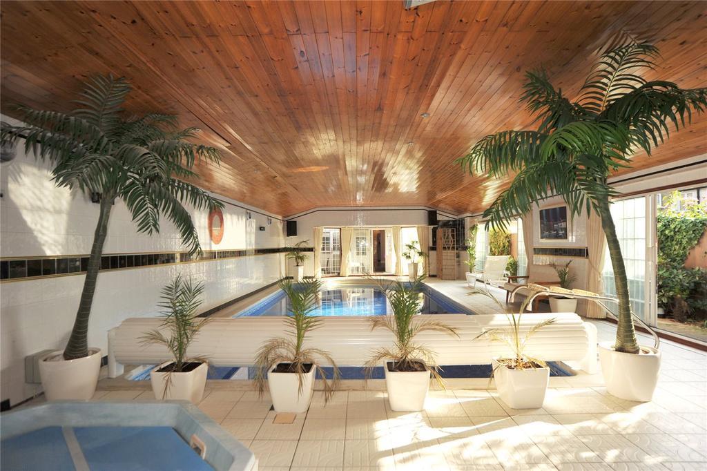 Image  Pool Room
