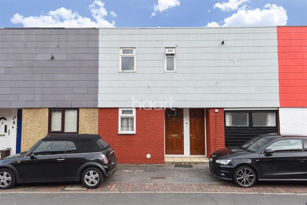 3 Bedrooms Terraced House for sale in Polesden Gardens, SW20