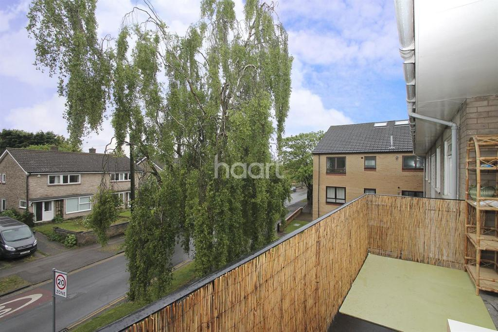 2 Bedrooms Flat for sale in Carlton Court, Carlton Way, Cambridge