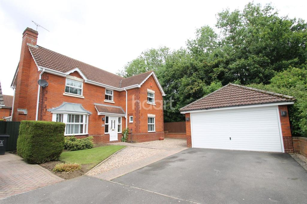 4 Bedrooms Detached House for sale in Kenwin Close