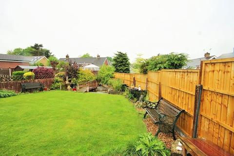 3 bedroom semi-detached house for sale - Mount Place, Forsbrook