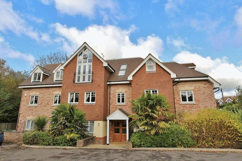 1 Bedroom Apartment Flat for sale in Spire Place, Warlingham