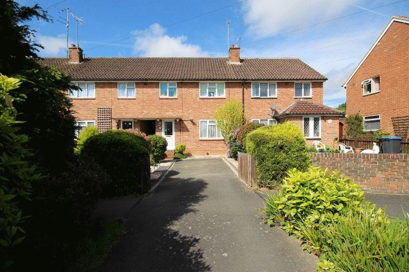 3 Bedrooms Terraced House for sale in Boston Road, Haywards Heath