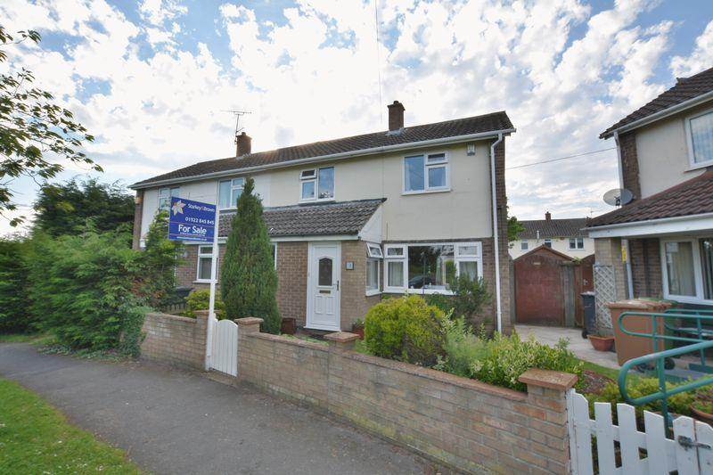 2 Bedrooms Semi Detached House for sale in Linnet Close, Lincoln