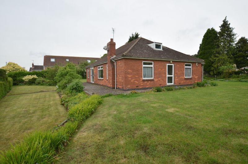4 Bedrooms Detached Bungalow for sale in High Street, Scotter, Gainsborough