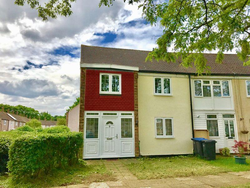 3 Bedrooms End Of Terrace House for sale in Rivermill, Harlow