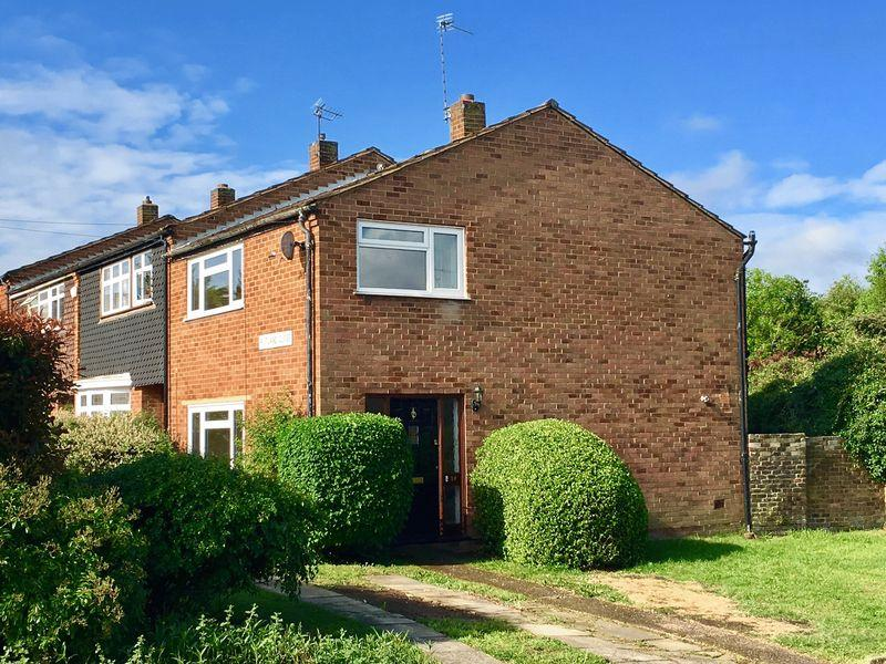 3 Bedrooms End Of Terrace House for sale in Rutland Close, Bexley