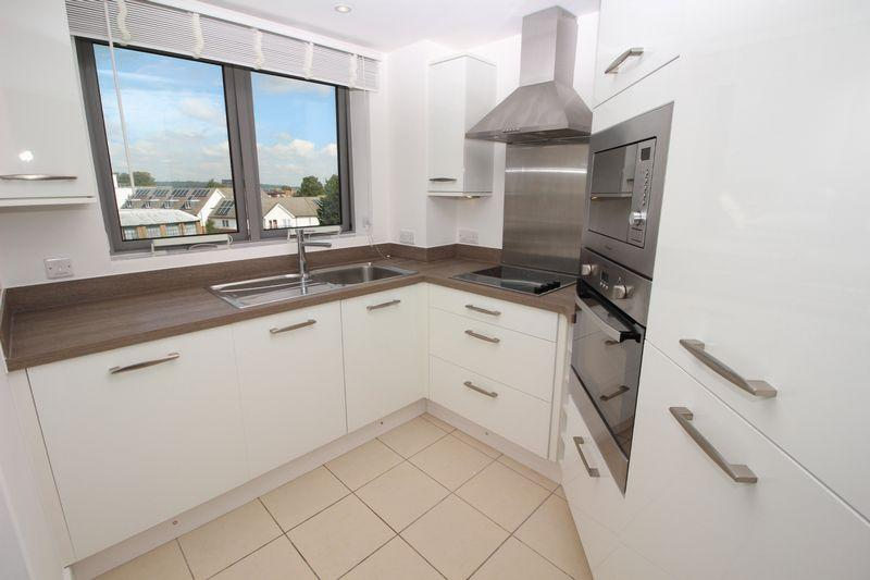 1 Bedroom Retirement Property for sale in KINGSWOOD COURT, Sidcup, DA14 6FH
