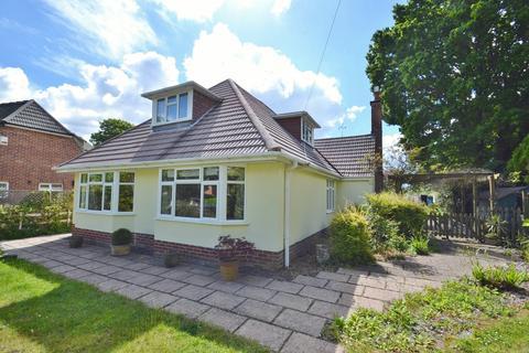 5 bedroom detached bungalow for sale - Broadstone