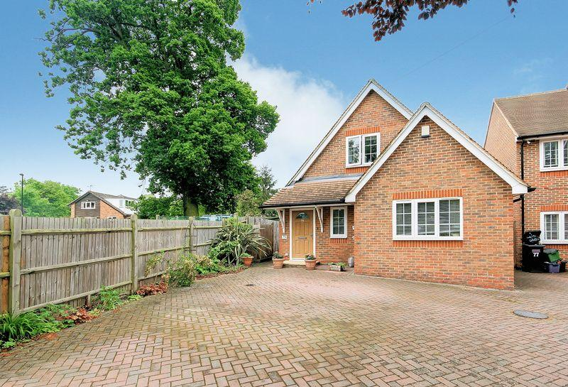 3 Bedrooms Detached Bungalow for sale in Orchard Avenue, Shirley