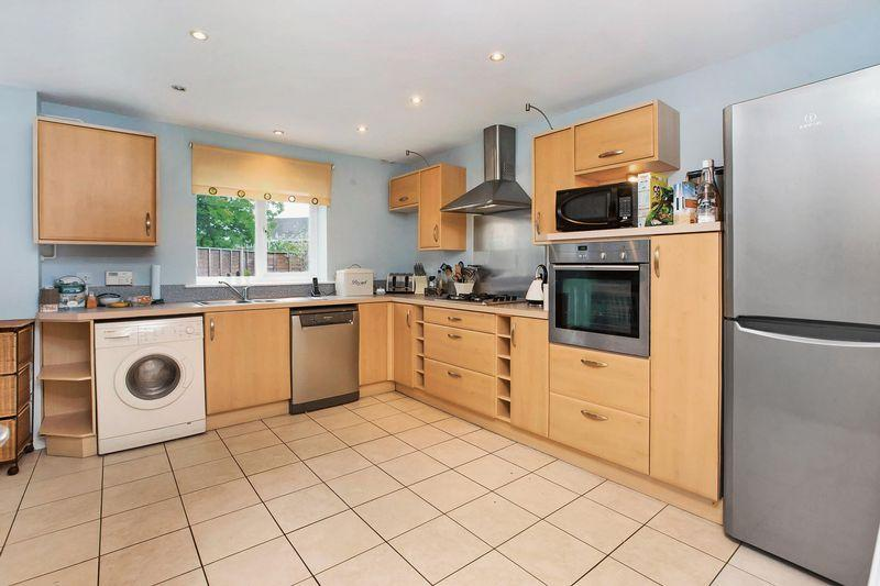 4 Bedrooms Terraced House for sale in COTFORD ST LUKE