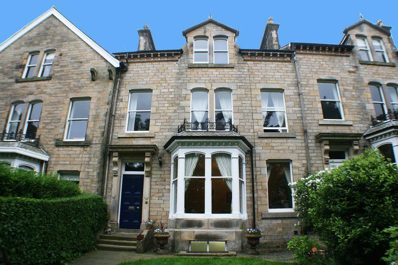 5 Bedrooms Terraced House for sale in Laurel Bank, Westbourne Road, Lancaster
