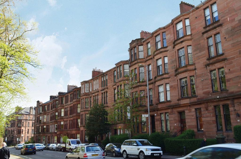 3 Bedrooms Flat for sale in Hyndland Road, Flat 2/2, Hyndland, Glasgow, G12 9ER