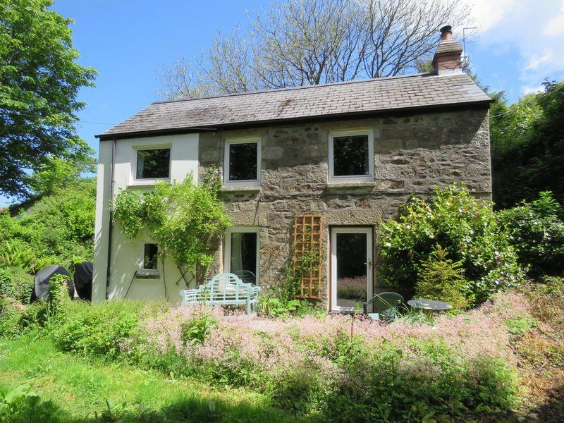 4 Bedrooms Cottage House for sale in Church Coombe, Redruth