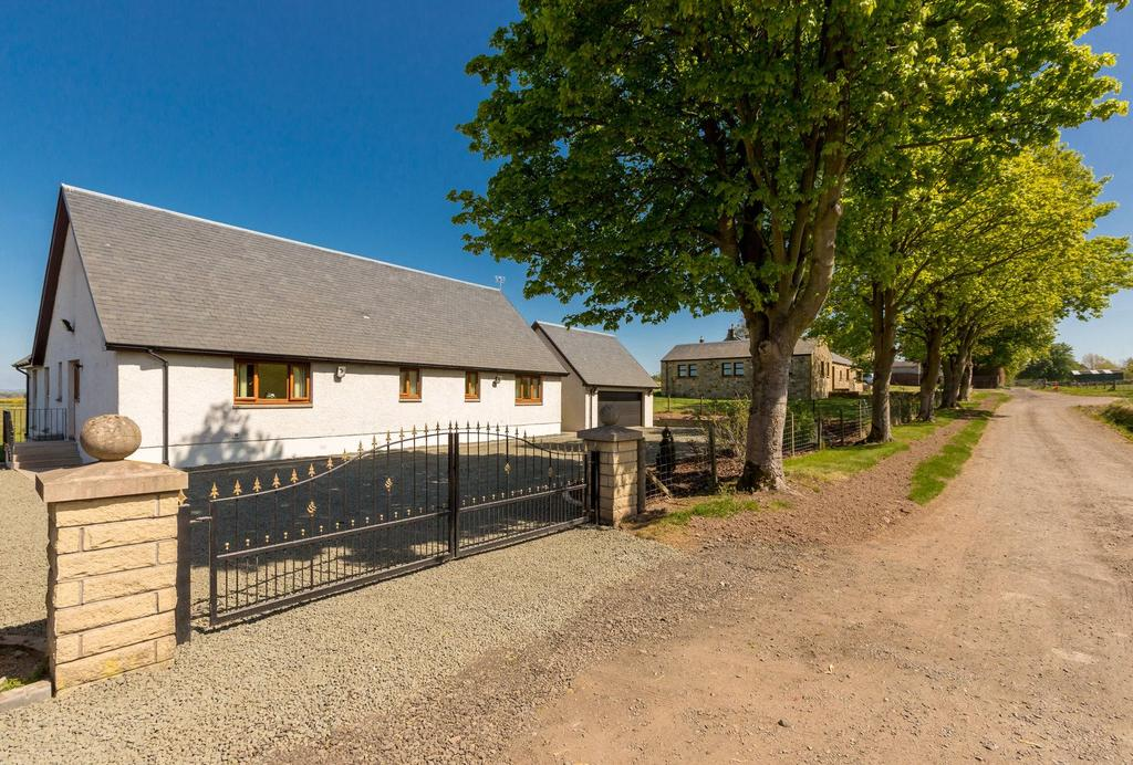 3 Bedrooms Detached Bungalow for sale in New House, Gellybank Farm, Kinross, KY13