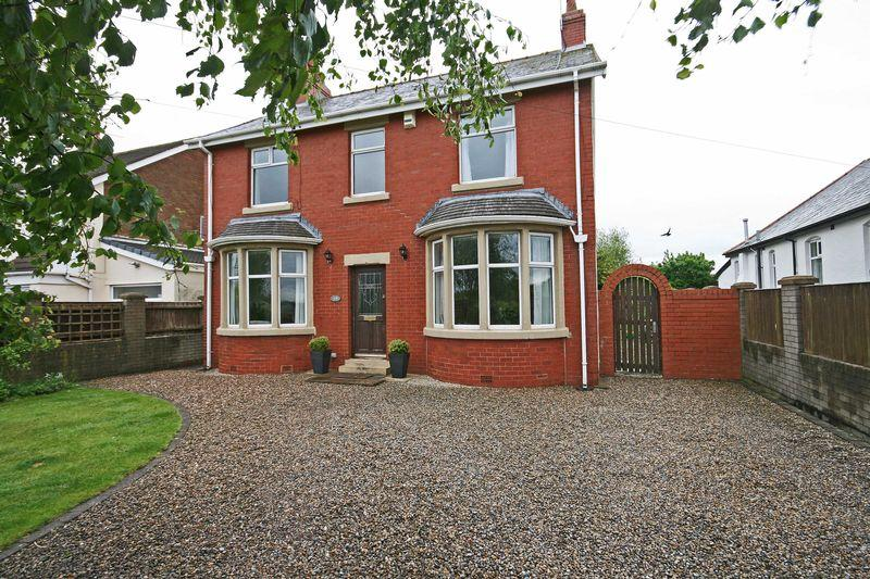 4 Bedrooms Detached House for sale in Bispham Road, Carleton