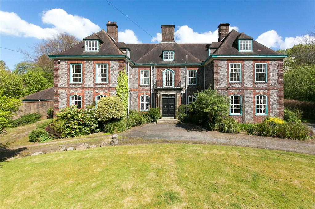 11 Bedrooms Unique Property for sale in Park Road, Leek, Staffordshire, ST13