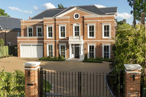 6 bedroom detached house for sale - Sandown Avenue, Esher, Surrey, KT10