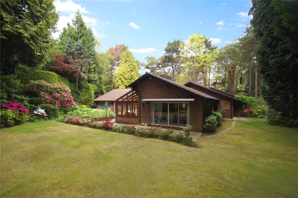 4 Bedrooms Detached Bungalow for sale in Martello Road, Canford Cliffs, Poole, Dorset, BH13