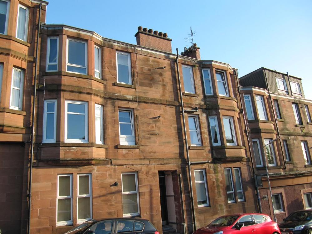 1 Bedroom Flat for sale in 2 Barclay Street, Flat 1/2, Old Kilptarick, G60 5DF