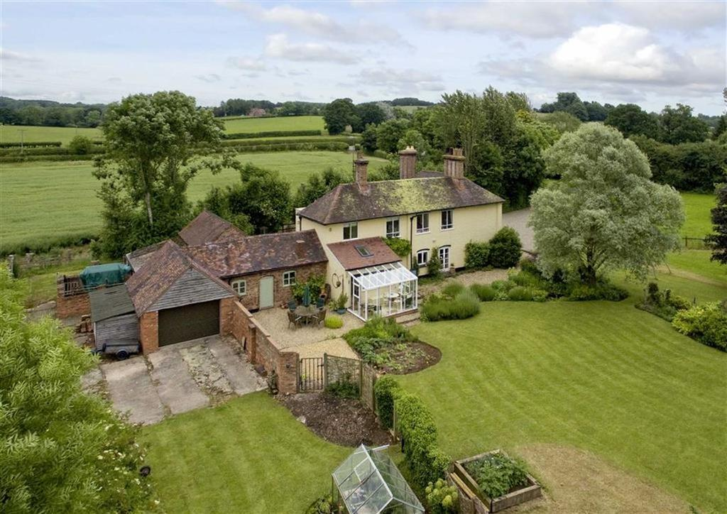 5 Bedrooms Detached House for sale in Aldenham Park, Bridgnorth, WV16