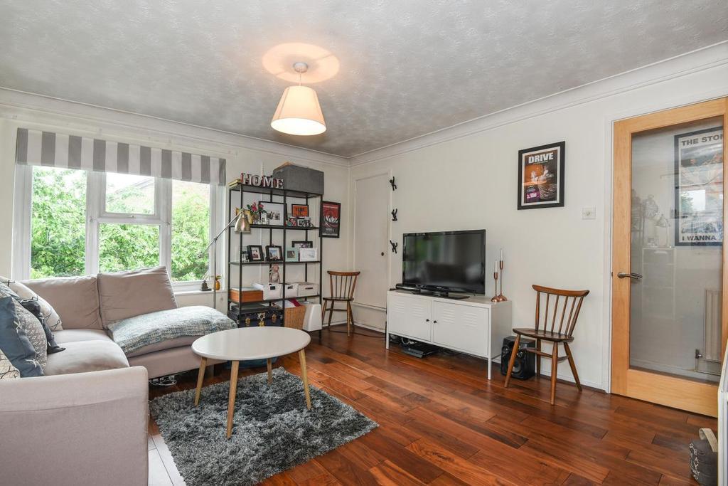 1 Bedroom Flat for sale in Westcott Road, Walworth, SE17