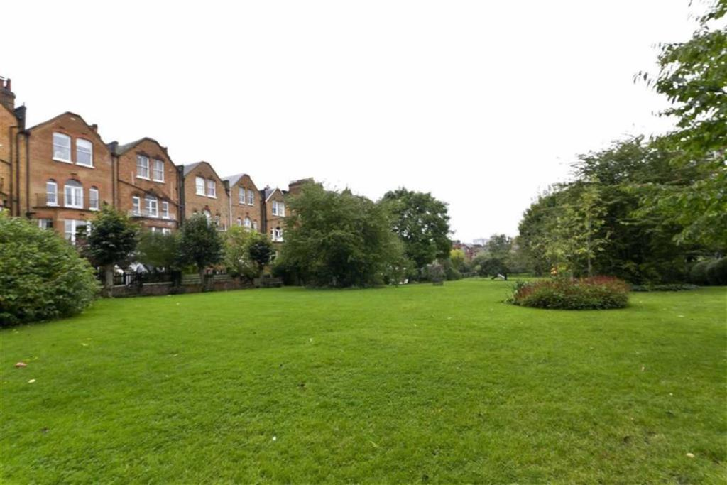 Greencroft Gardens Swiss Cottage London Nw6 3ls 2 Bed