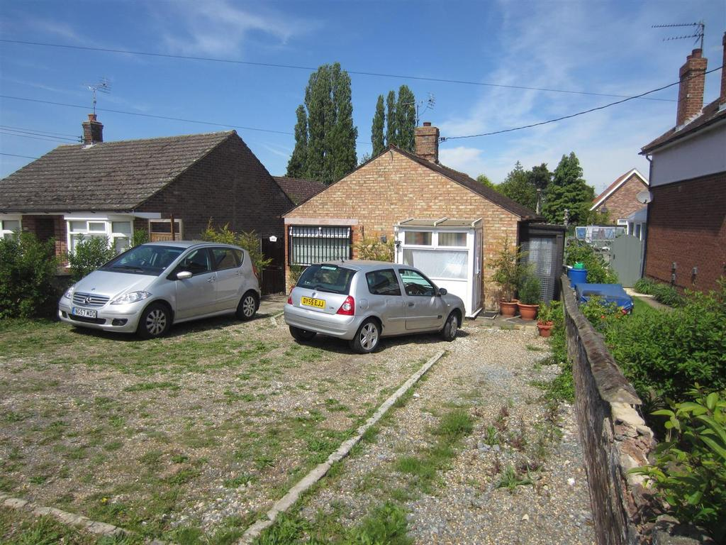 3 Bedrooms Detached Bungalow for sale in London Road, Brandon