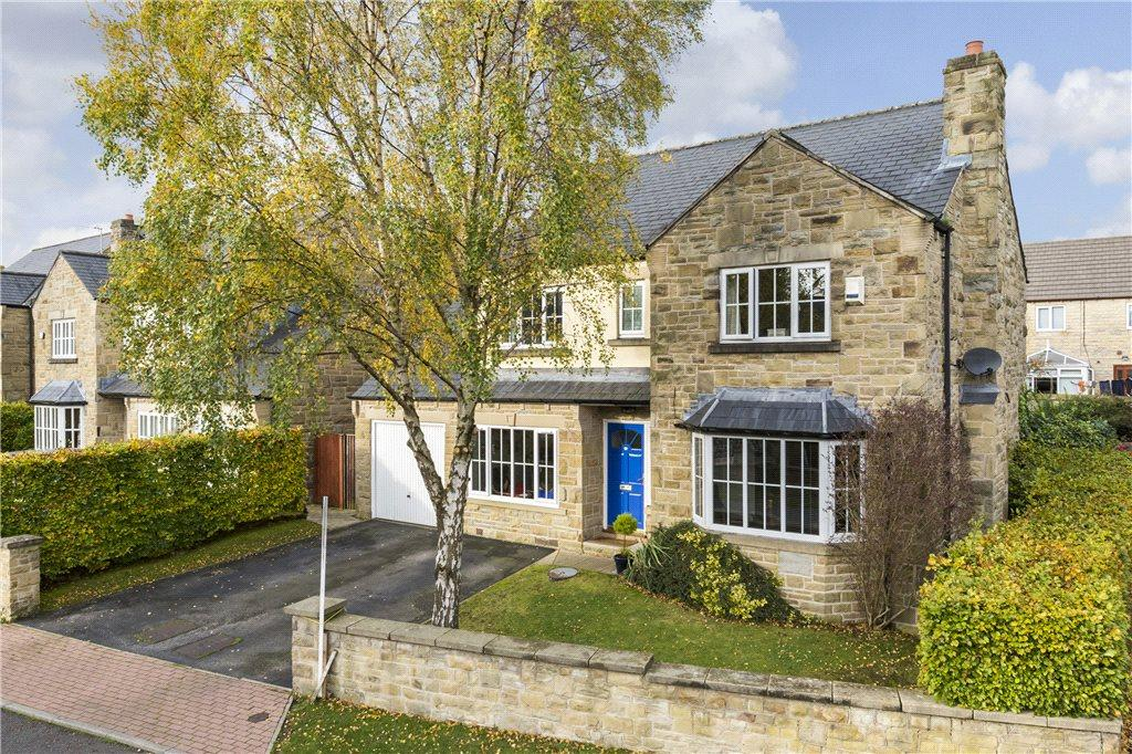 4 Bedrooms Detached House for sale in Bracken Park, Gilstead, Bingley, West Yorkshire